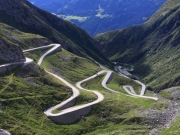 The_old_road_winding_over_St._Gotthard_pass30